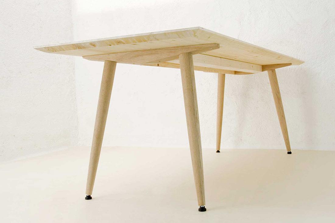Cooler Tisch