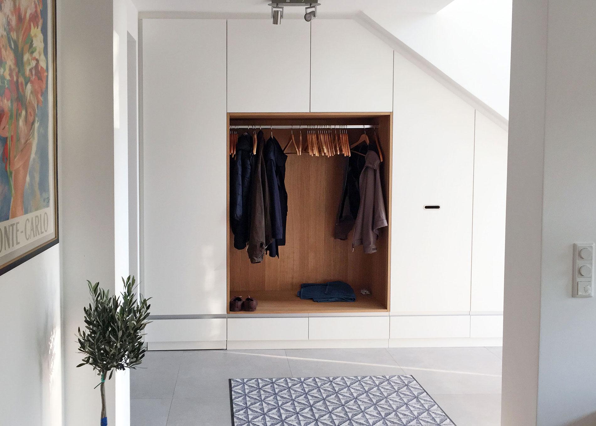 Garderobe mit Einsatz aus Eiche