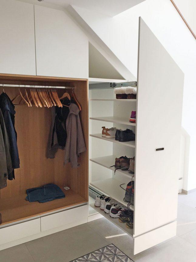 Garderobe unter Treppe